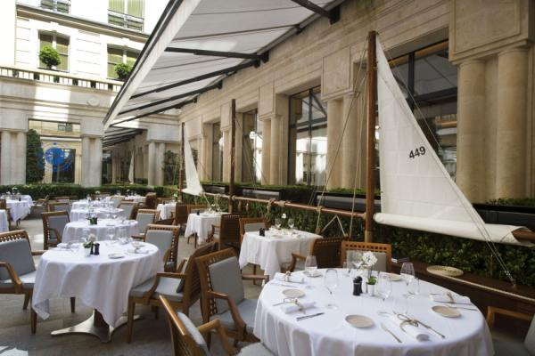 La terrasse Du Park Hyatt Paris Vêndome